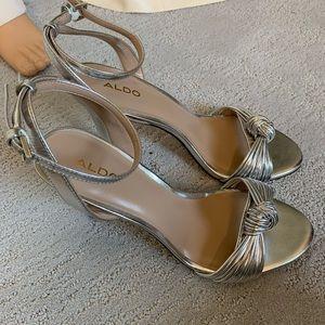 "Aldo Brand New size 8.5.     4""heel"